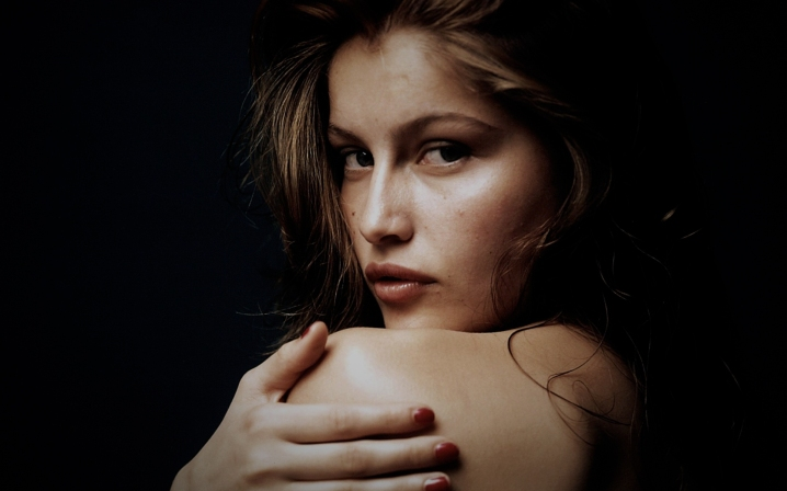 laetitia-casta-13190-13600-hd-wallpapers