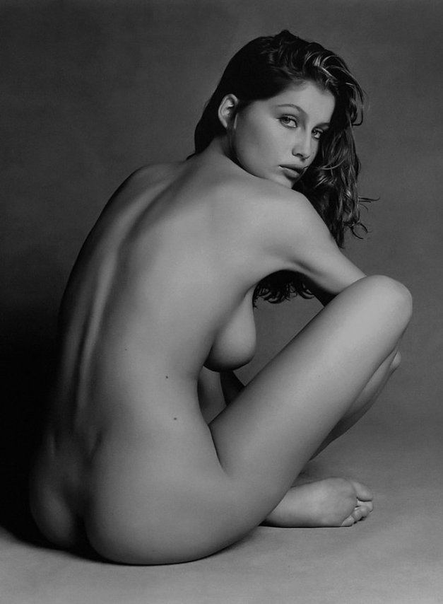 Laetitia-Casta-numero-2-1997-by-Patrick-Demarchelier