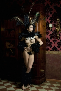 ROBERTO MANETTA_Burlesque Diva_tn