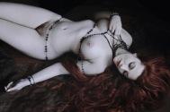 NATALIA KOVACHEVSKI Les Perles Noires Autorretrato_tn